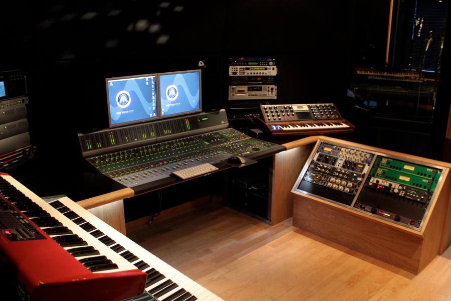 Norway >> NIDAROS STUDIO - Trondheim, Norway, TNT, Stage Dolls, Ian ...
